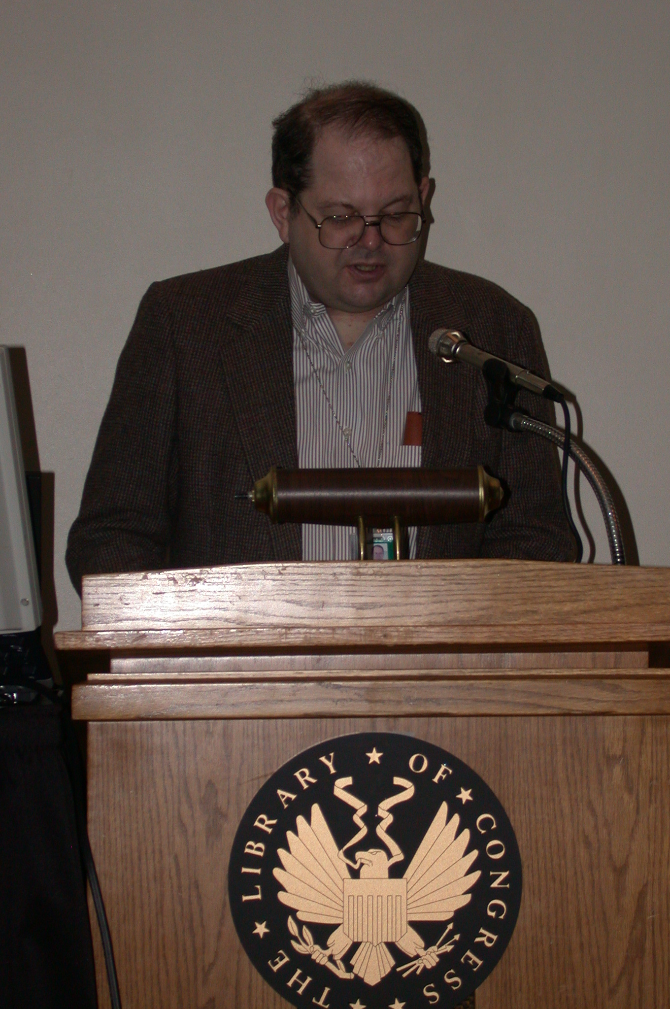 DSCN0219.jpg - Brian opens the program for our final day.