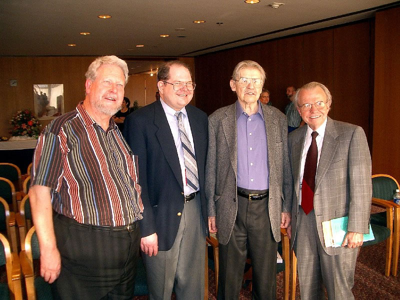 IMGP3835_meeting.jpg - Jean-Michel, Brian, Walter, and John Cole