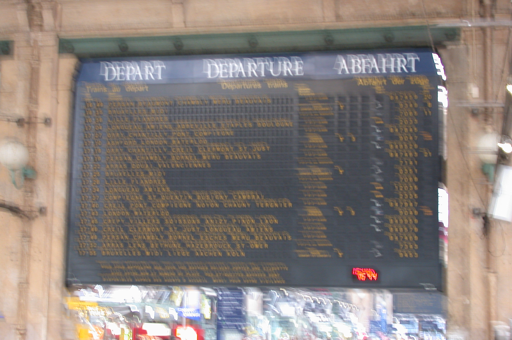 DSCN0001.jpg - The departure board at Gare du Nord, Paris.