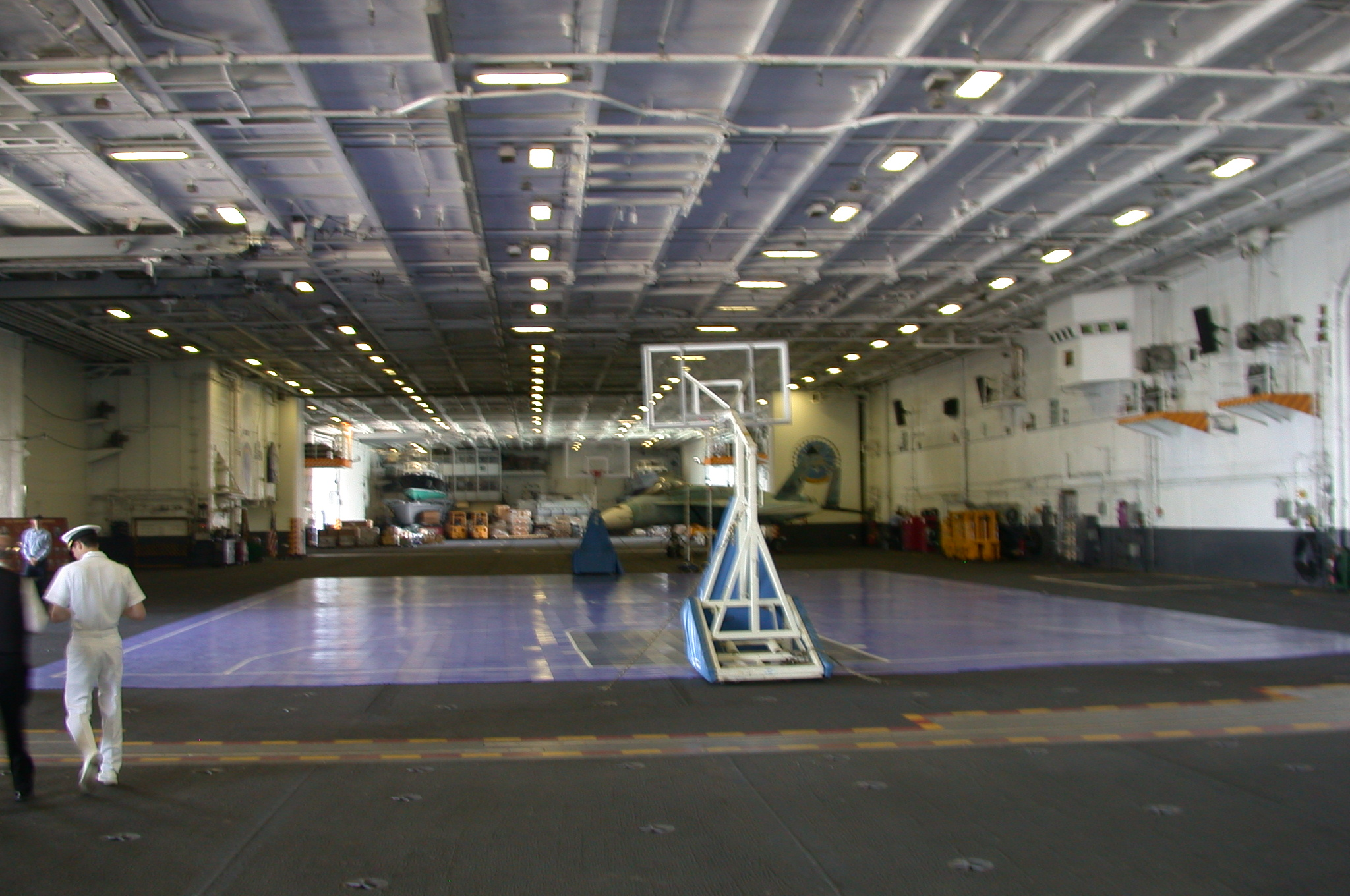 DSCN0101.jpg - The hangar deck.