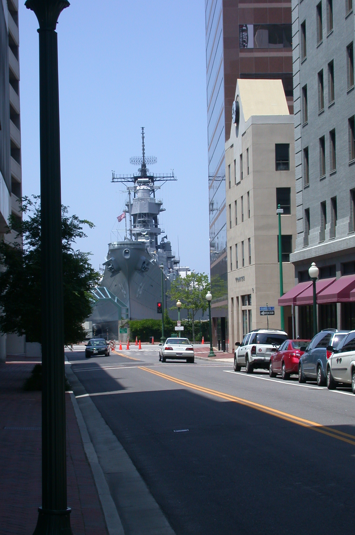 DSCN0106.jpg - ...the USS Wisconsin, a decommissioned battleship.