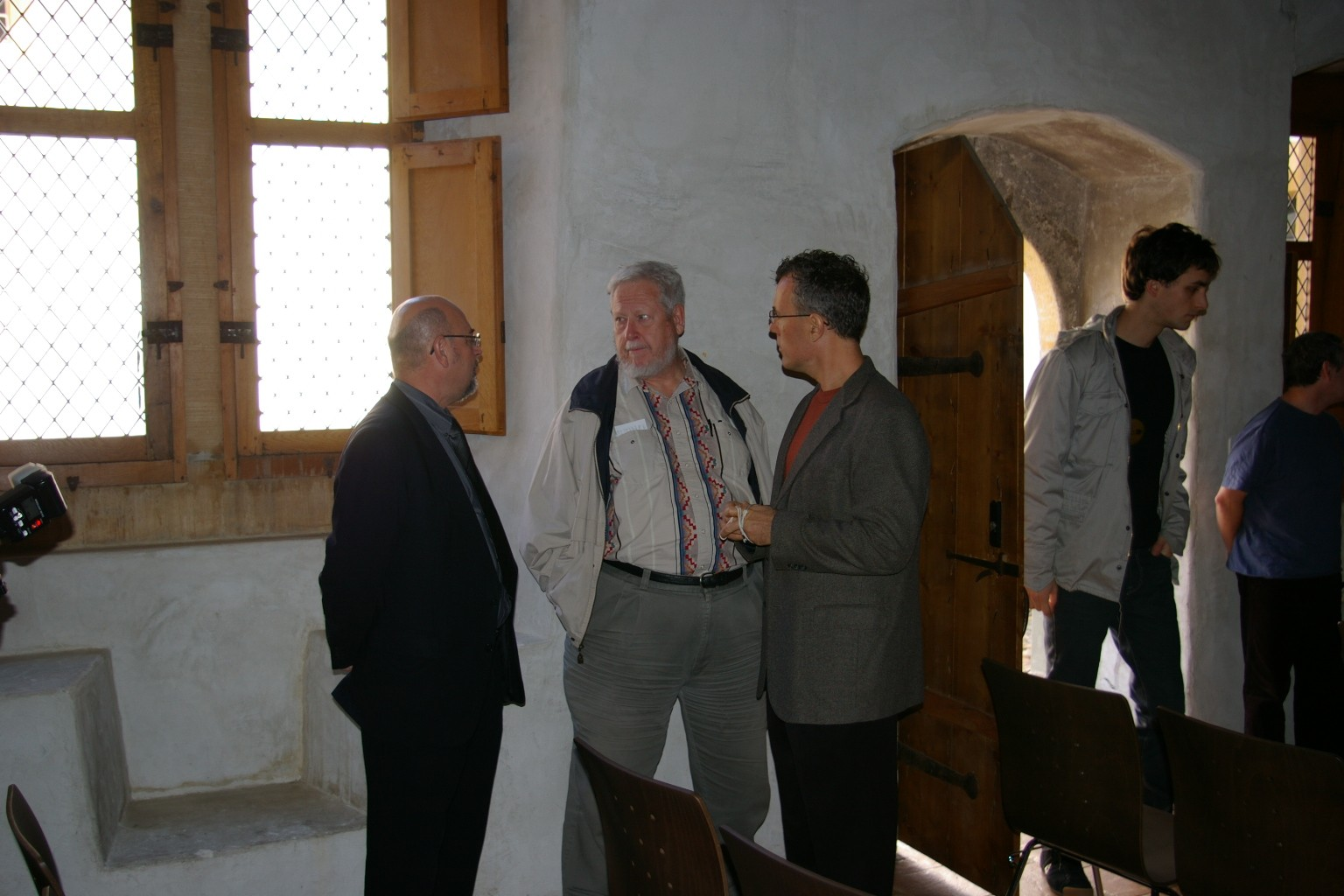 jmm0650.jpg - October 5: gathering in the Castle for the JV Symposium.